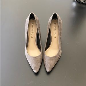 New Via Spiga Gray Suede Pumps